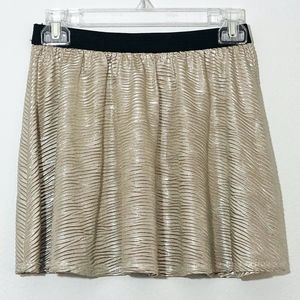 Happening in the Present Gold Shimmer Skirt Sz XS